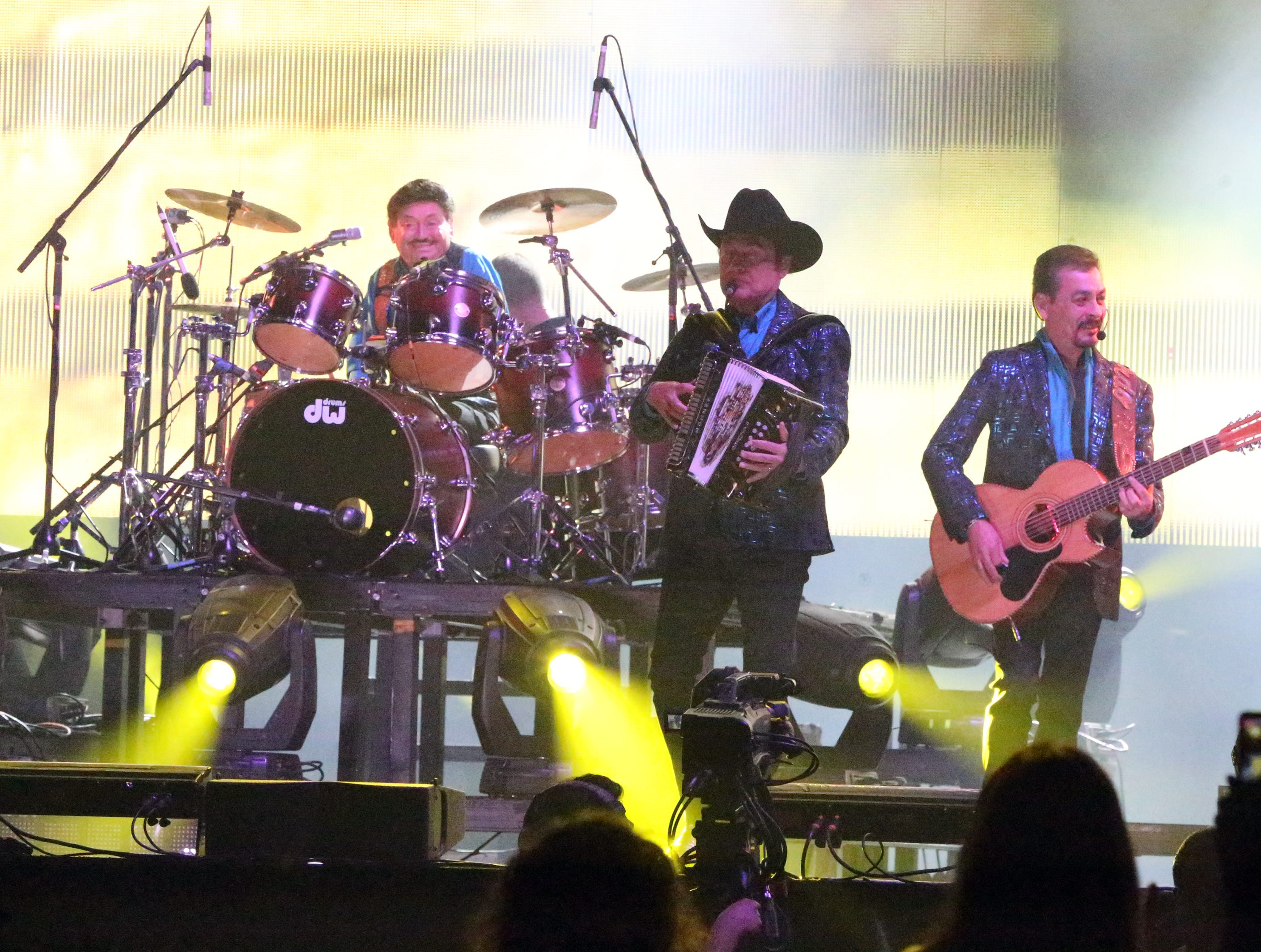Veteran norteño group Los Tigres del Norte performed for a near capacity crowd along with Latin Superstar Alejandro Fernandez Saturday night in the Don Haskins Center.