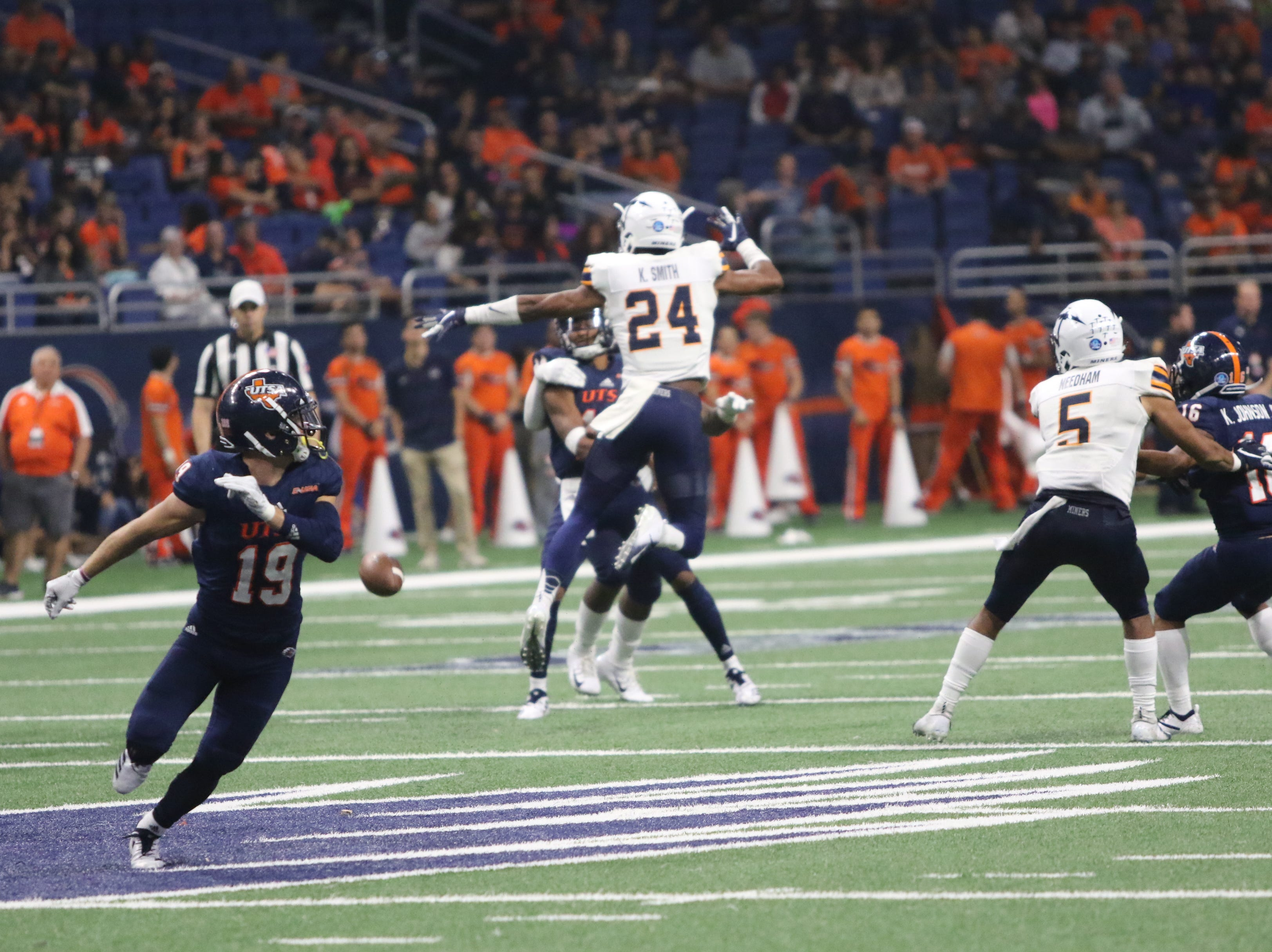 UTSA held off a late UTEP rally, and the Roadrunners beat the Miners 30-21 in San Antonio.