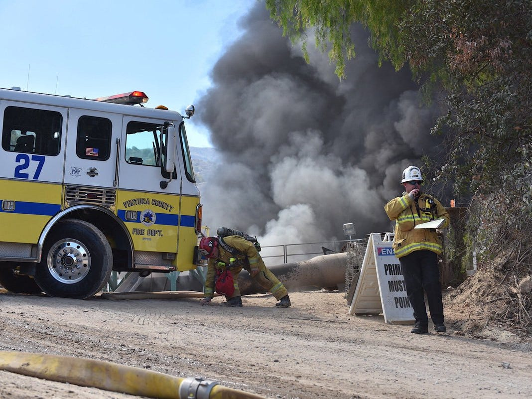 Firefighters tackled an oil well blaze outside Santa Paula Sunday, with operations temporarily closing South Mountain Road west of Balcom Canyon Road.