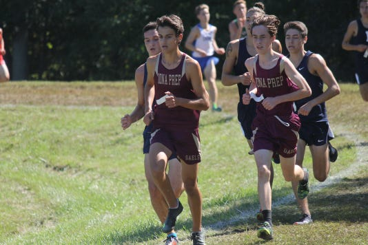 Iona Preps Pedro Bravo L And Brendan Mulvany Lead Team To First Place Six Flags Finish 2018
