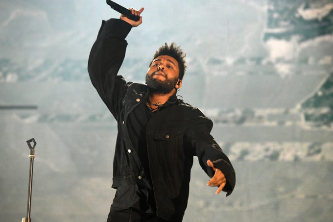 NEW YORK, NY - SEPTEMBER 29:  Singer The Weeknd performs onstage during the 2018 Global Citizen Concert at Central Park, Great Lawn on September 29, 2018 in New York City.  (Photo by Michael Kovac/FilmMagic) ORG XMIT: 775235423 ORIG FILE ID: 1043264008