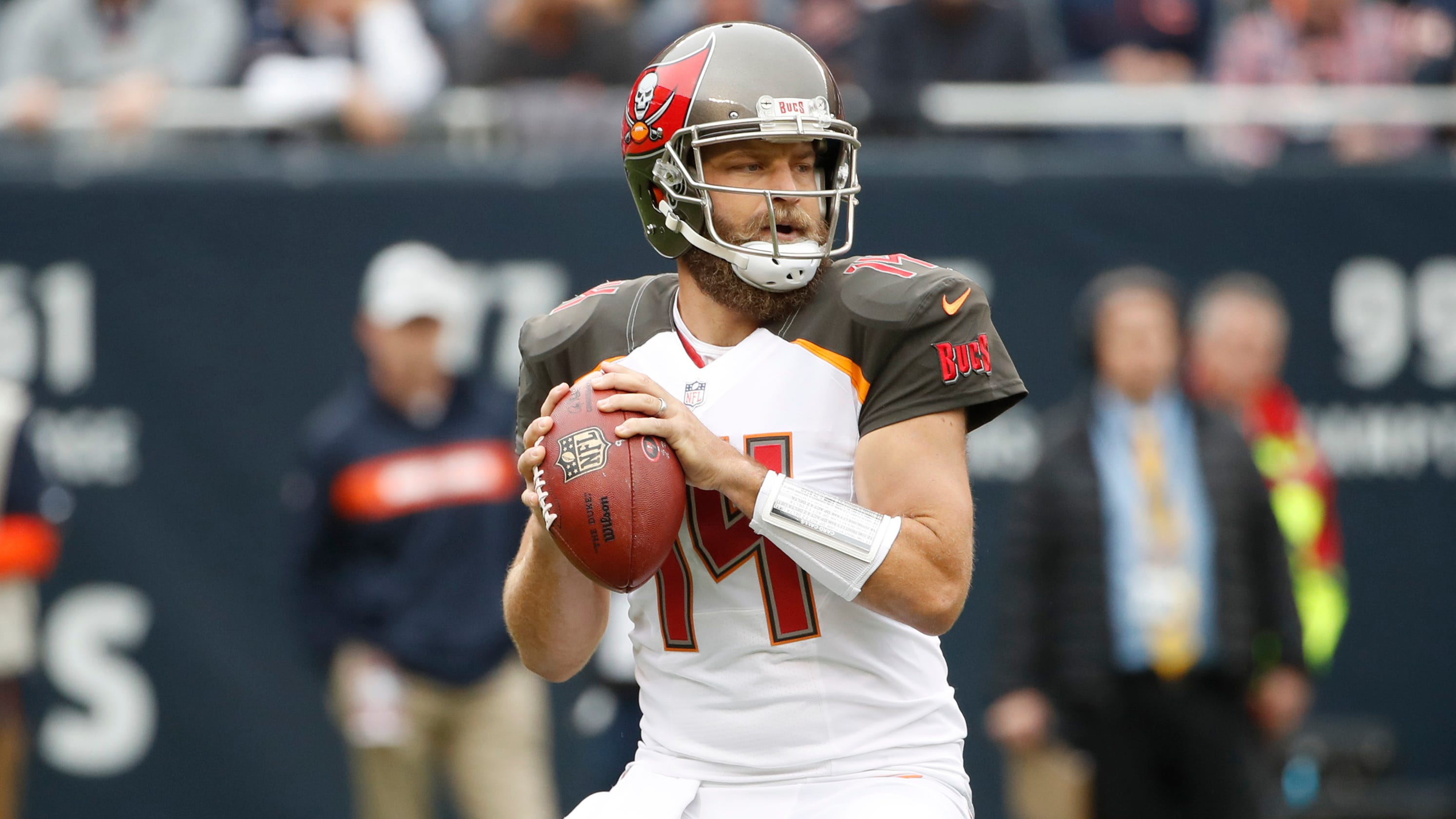 bcdb6128e Ryan Fitzpatrick s magic runs out for Buccaneers in rout by Bears