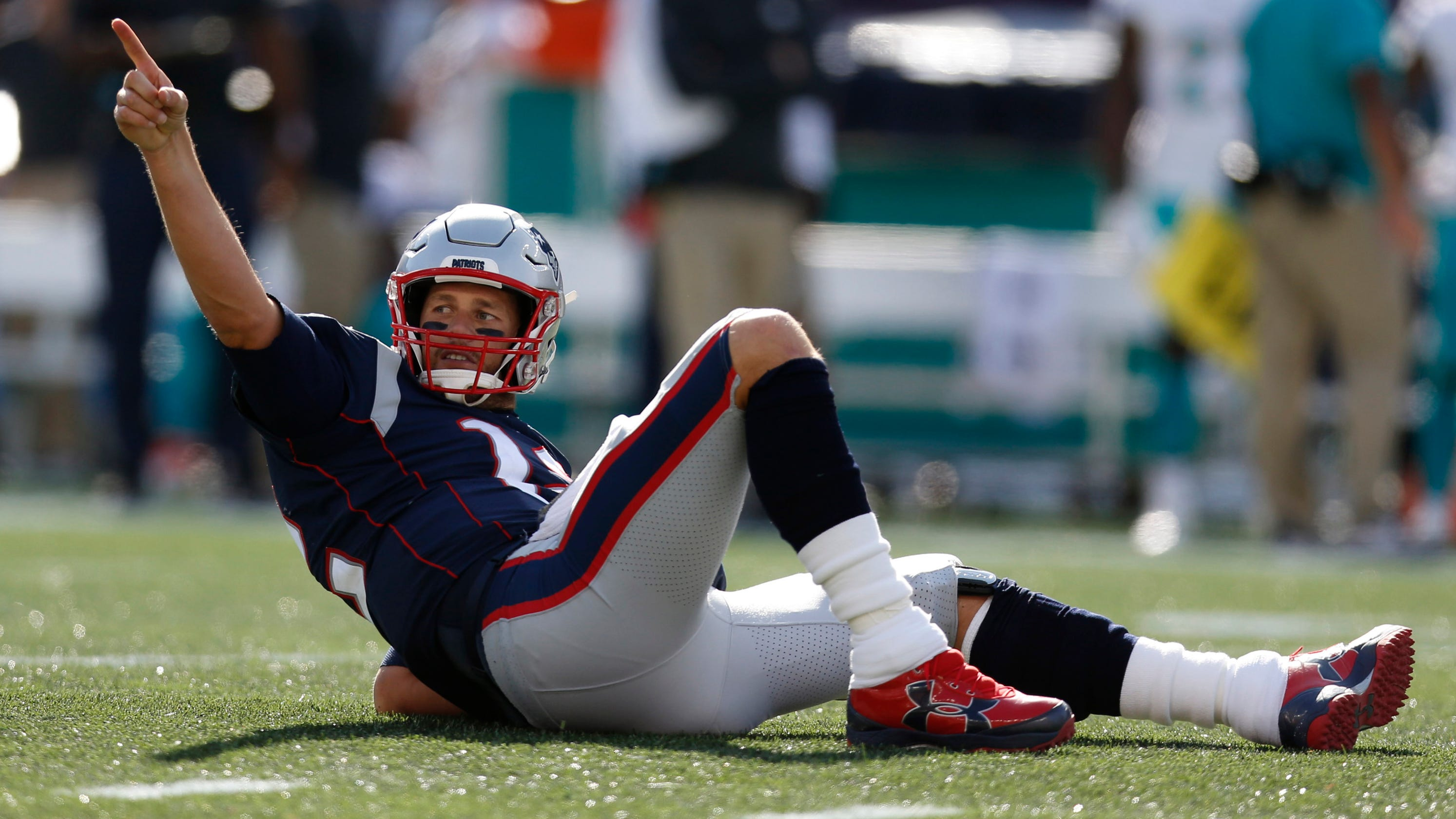Patriots dominate Dolphins to bounce back from two-game skid 84cbb8d92