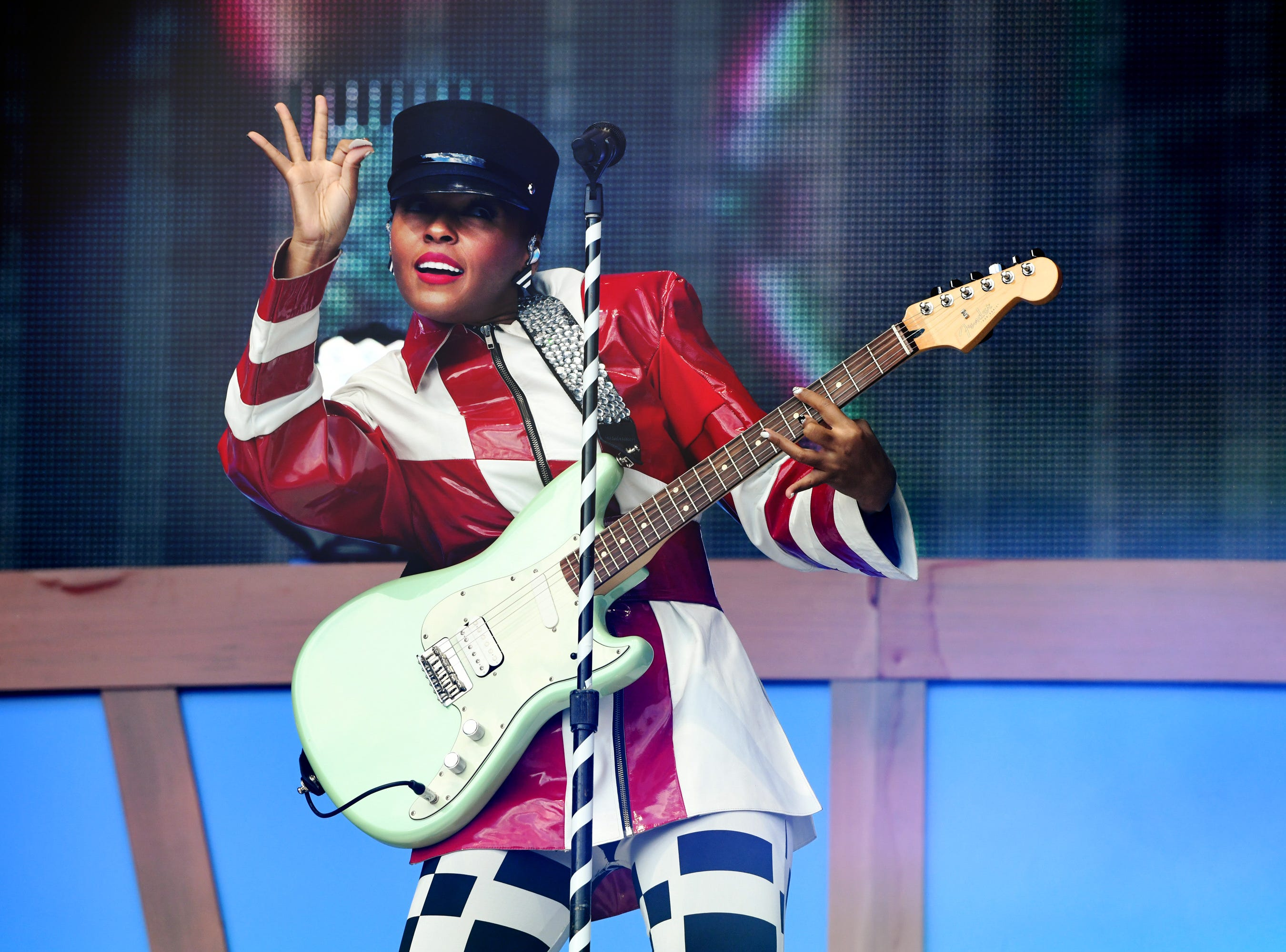 NEW YORK, NY - SEPTEMBER 29:  Singer-songwriter Janelle Monáe performs onstage during the 2018 Global Citizen Concert at Central Park, Great Lawn on September 29, 2018 in New York City.  (Photo by Michael Kovac/FilmMagic) ORG XMIT: 775235423 ORIG FILE ID: 1043263512