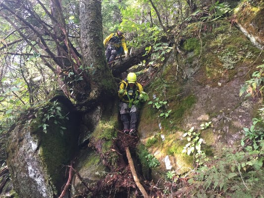 Smokies Searchersworkinsteepterrain Photobybackcountryunitsearchandrescue Busar