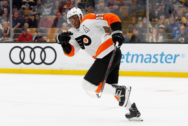 Wayne Simmonds played threw a slew of injuries and still scored 24 goals last season. He says he feels way better now than he did a year ago.