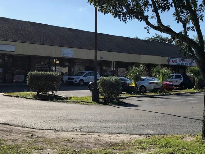 Fort Myers police are investigating the wounding of aman by gunfire at a shopping center on Evans Avenue Monday morning.