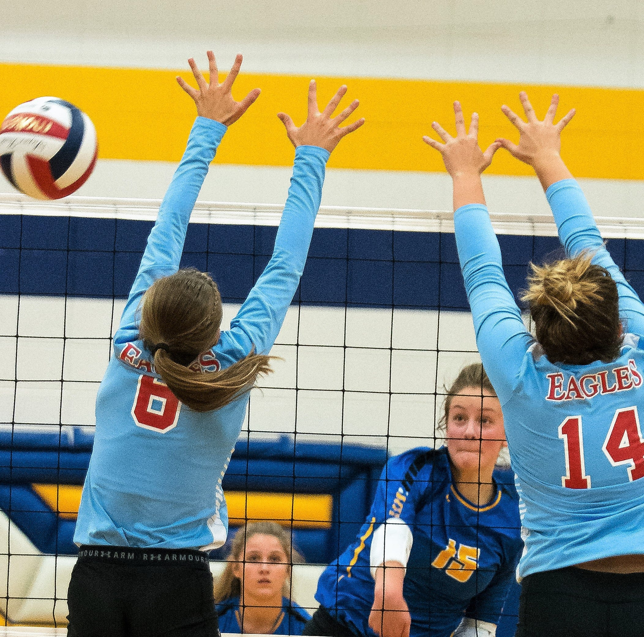 Oconto Blue Devils stop Clippers, fall to Southern Door   Volleyball
