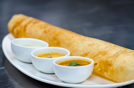 Curry Leaf specializes in Indian street food, and serves a mainly vegetarian and vegan menu.