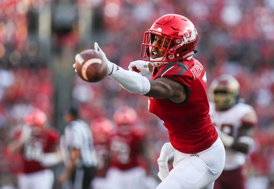 Louisville's Dez Fitzpatrick couldn't reach this pass that quarterback Juwan Pass overthrew  near the end zone, missing a chance for a touchdown in the second half as the Seminoles beat Louisville 28-24 Saturday afternoon. Sept. 29, 2018
