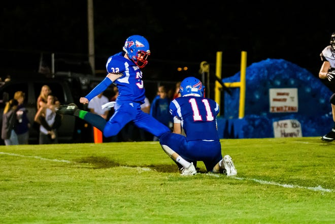 Taylor McCoy with the extra point to make it 14-0 Harpeth indians in the third quarter.