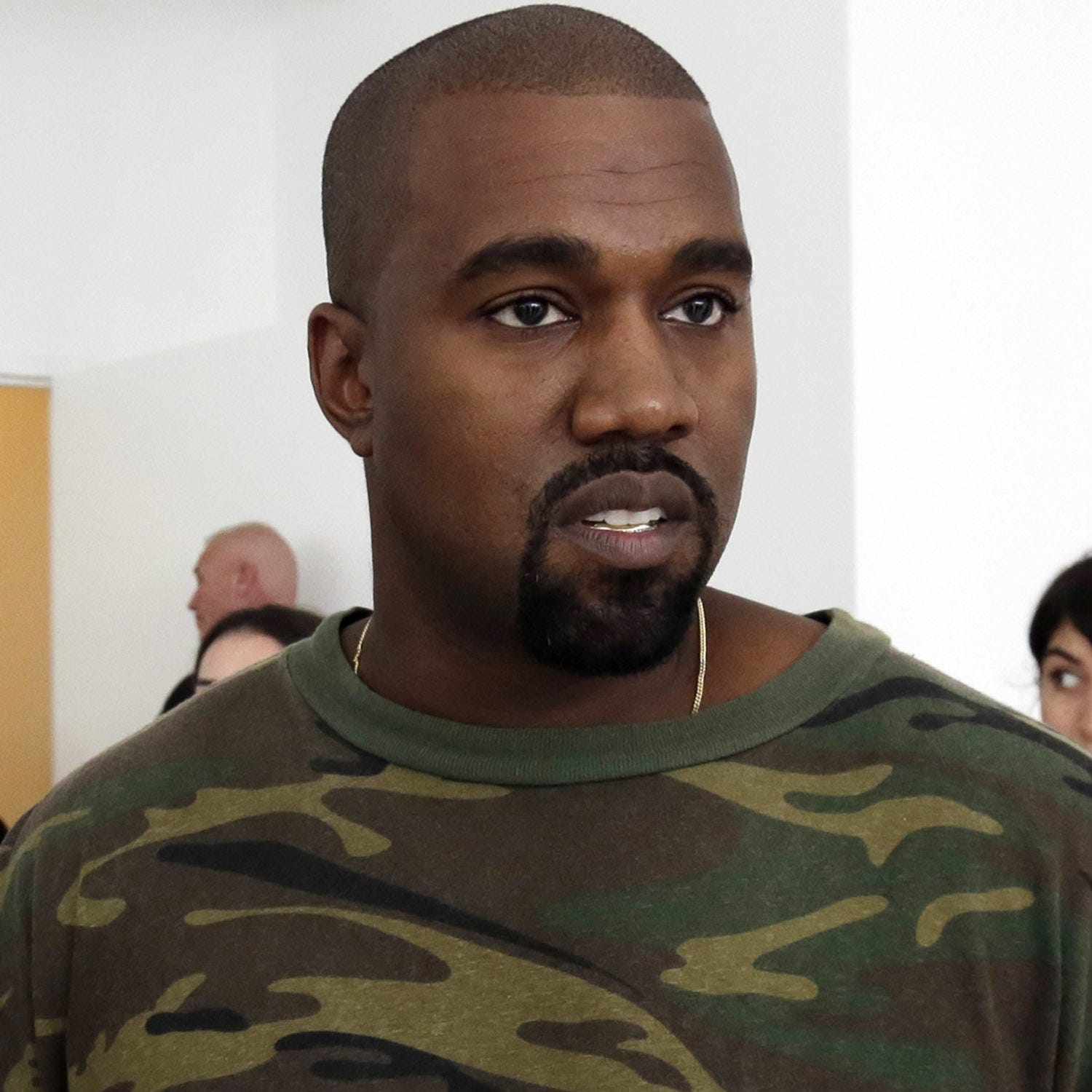 Kanye West confuses the masses with performance, tweet about 13th Amendment