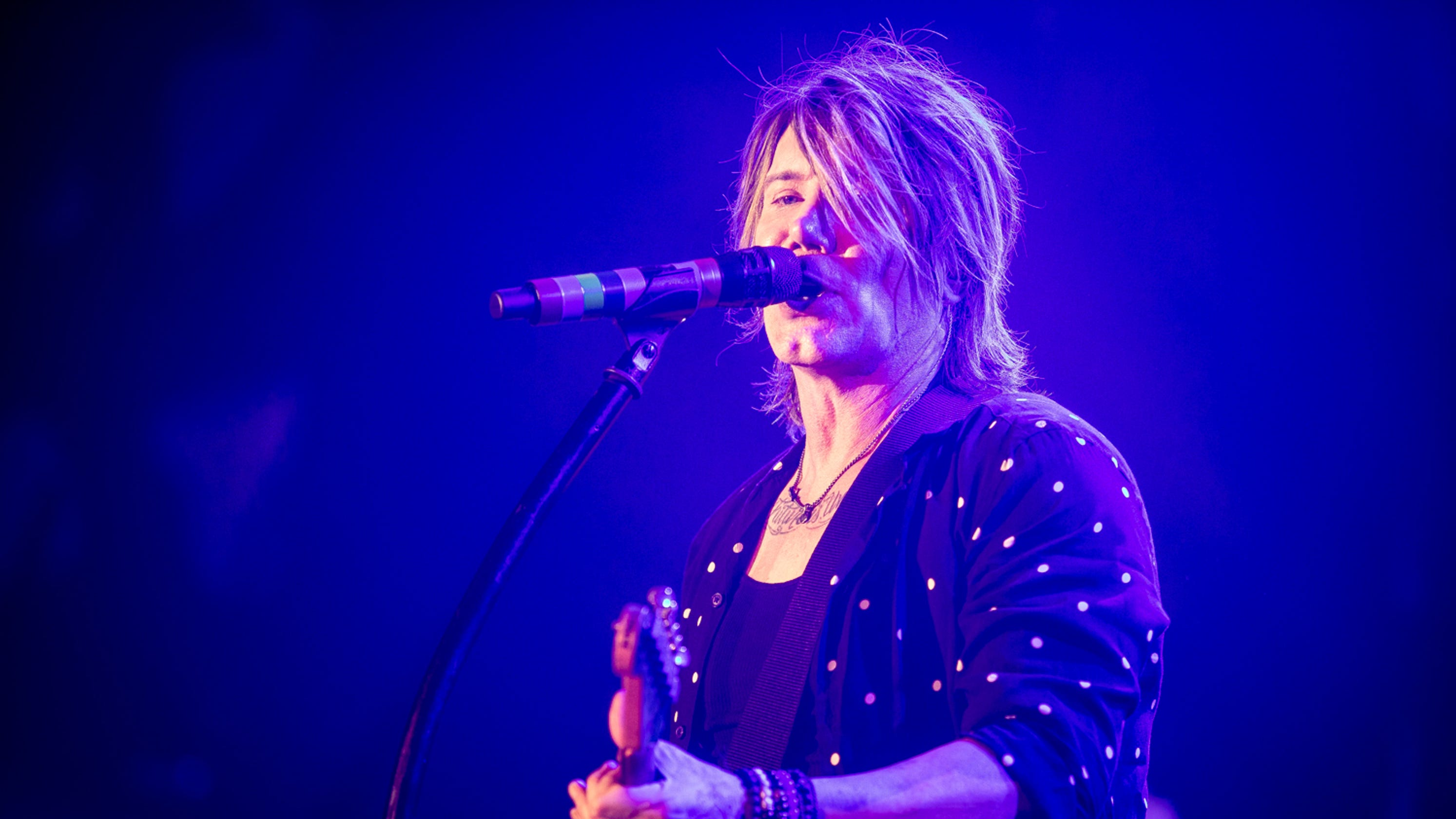 Goo Goo Dolls launch 'Dizzy Up the Girl' tour with sold-out