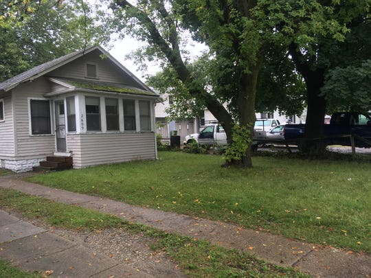 Police responded to a report of a man being shot in the 2600 block of Oak Street in Port Huron Township Sunday morning. Police are looking for a 19-year-old man they believe shot his father in the face.