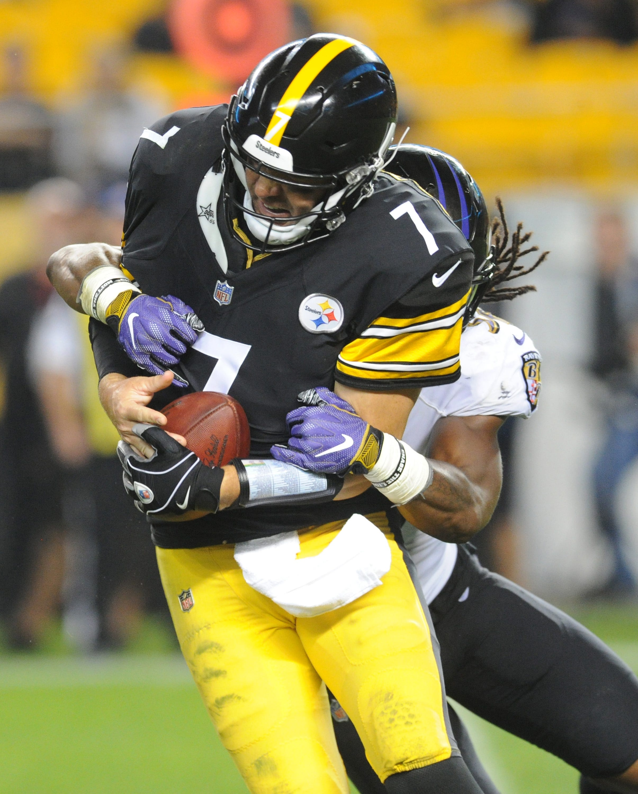 This time, Ravens get job done at Steelers, whose offense stalls in second half again
