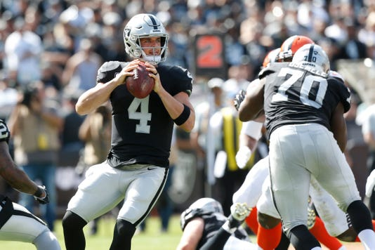 Nfl Cleveland Browns At Oakland Raiders