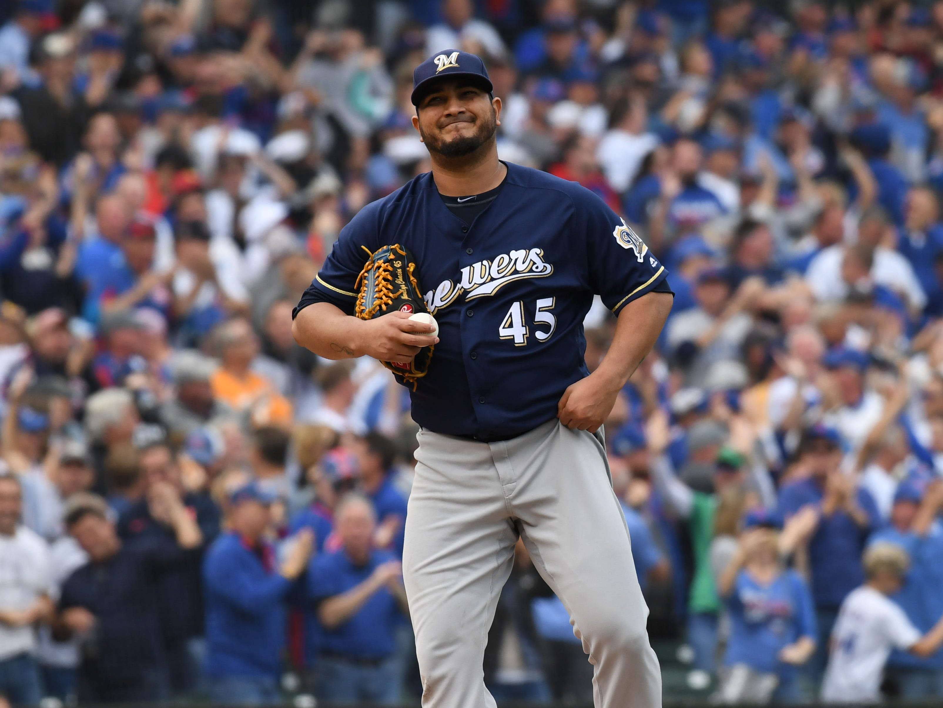 Brewers starter Jhoulys Chacin reacts after giving up a home run to Anthony Rizzo in the fifth.