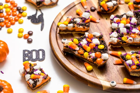 Halloween cookie bark