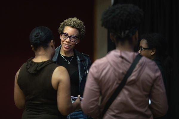 Amy Sherald meets with Austin Peay students during her visit to campus.