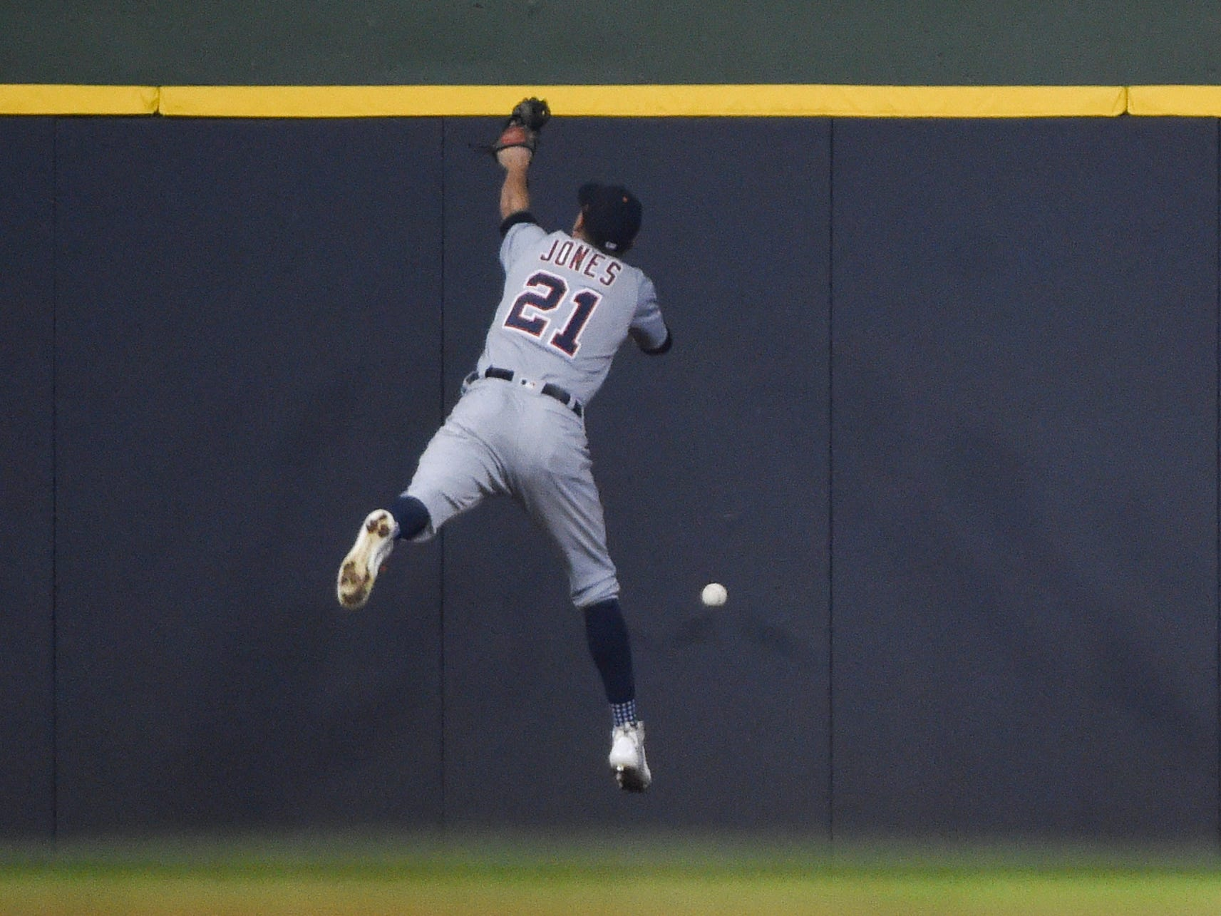 Detroit Tigers center fielder JaCoby Jones cannot catch a ball hit against the Milwaukee Brewers in the seventh inning at Miller Park on Sept. 30, 2018.