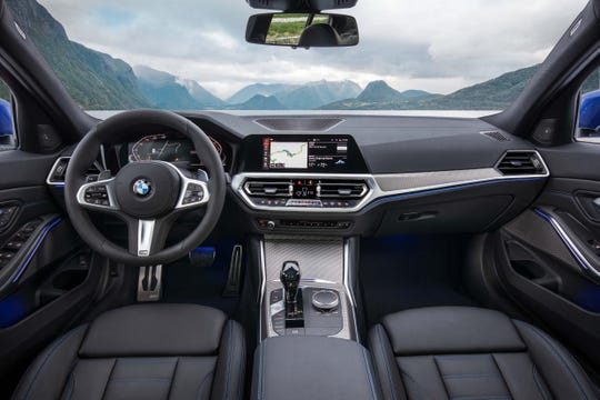 Attention has also been placed on upgrading the BMW 3 Series interior, which has sa base5.7-inch digital instrument display and8.8-inch console screen. Optional is a 12.3-inch instrument display and10.3-inch dash screen.