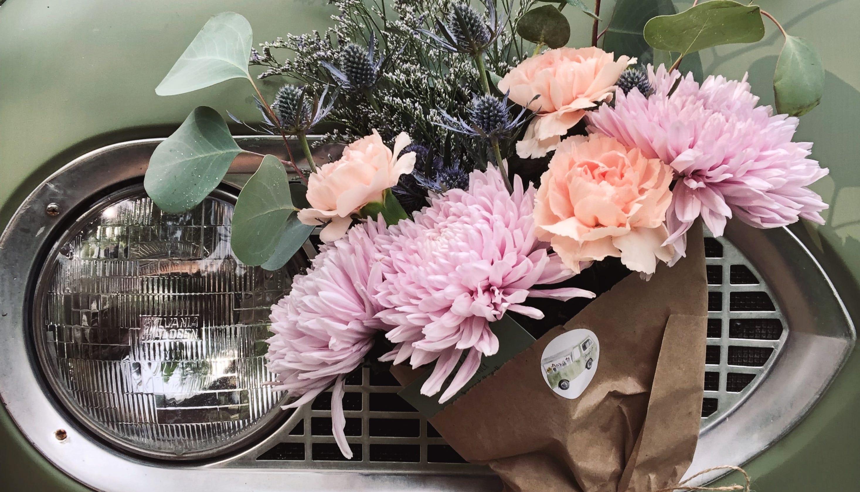Flourish flower truck delivers diy experience in flower arranging izmirmasajfo