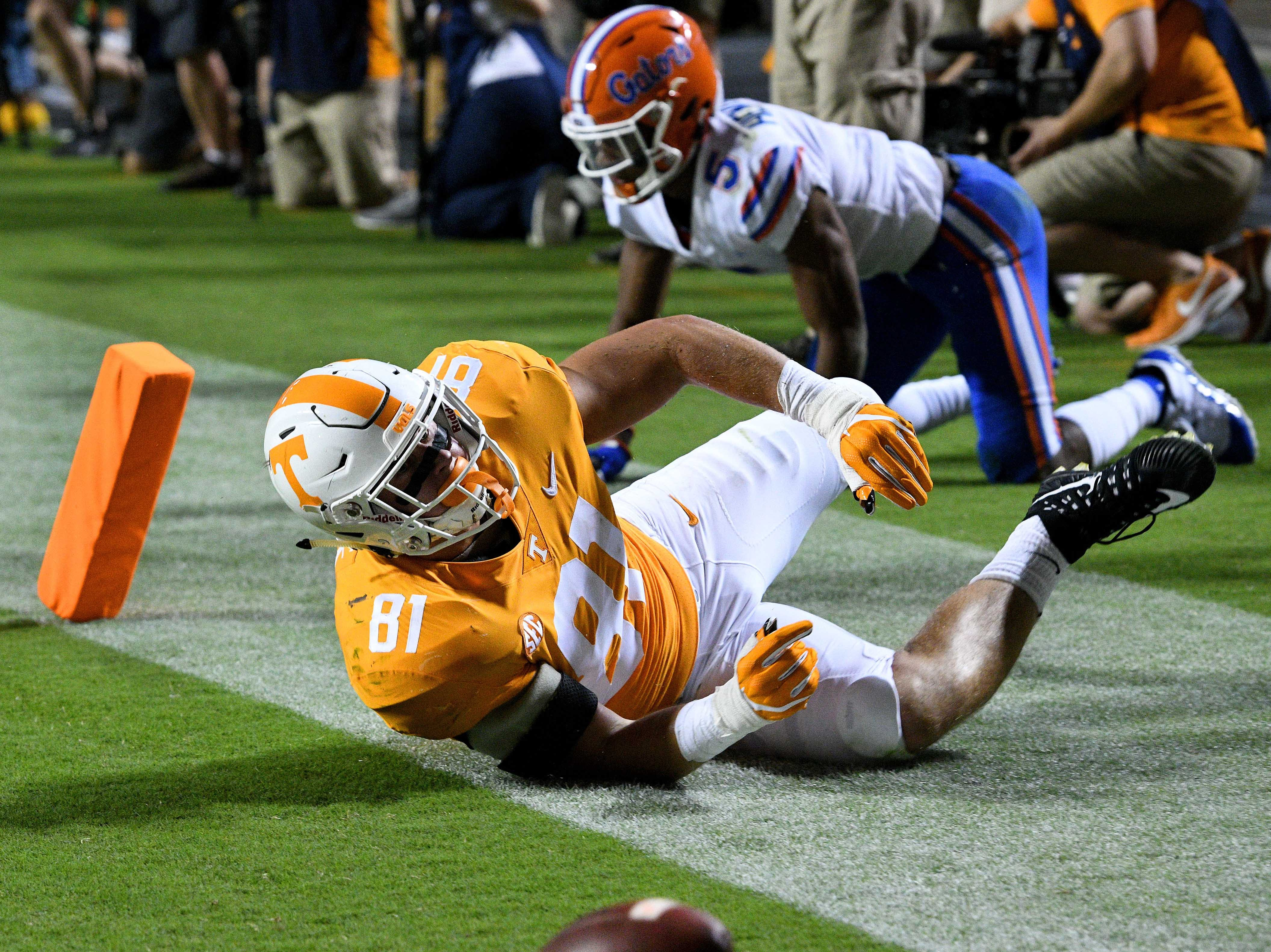 Tennessee tight end Austin Pope (81) fumbles the ball for a safety during first half action against Florida in Neyland Stadium Saturday, September 22, 2018 in Knoxville, Tenn.