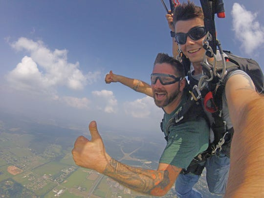 Army vet opens new skydiving business in Acadiana