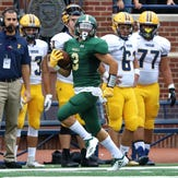 Howell's Shane Sovik has a 94-yard run against Dearborn Fordson at Michigan Stadium on Saturday, Aug. 25, 2018.