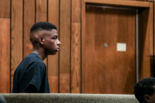 Quandarius Richardson, 18, appears inside of General Sessions Court Division Seven with Judge Bill Anderson on Oct. 2, 2018.