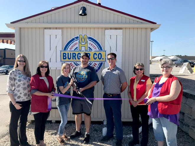 Chamber Ambassadors recently cut the ribbon for Mtn. Home Burger Co. Mtn. Home Burger Co. offers fresh, never frozen, smashed Steakburgers on a buttered, toasted bun, as well as hot fries and ice-cold soft drinks. They are open 11 a.m.-2 p.m. Monday through Saturday. Mtn. Home Burger Co. is located at 38 Paul Wood Ln. in Mountain Home.
