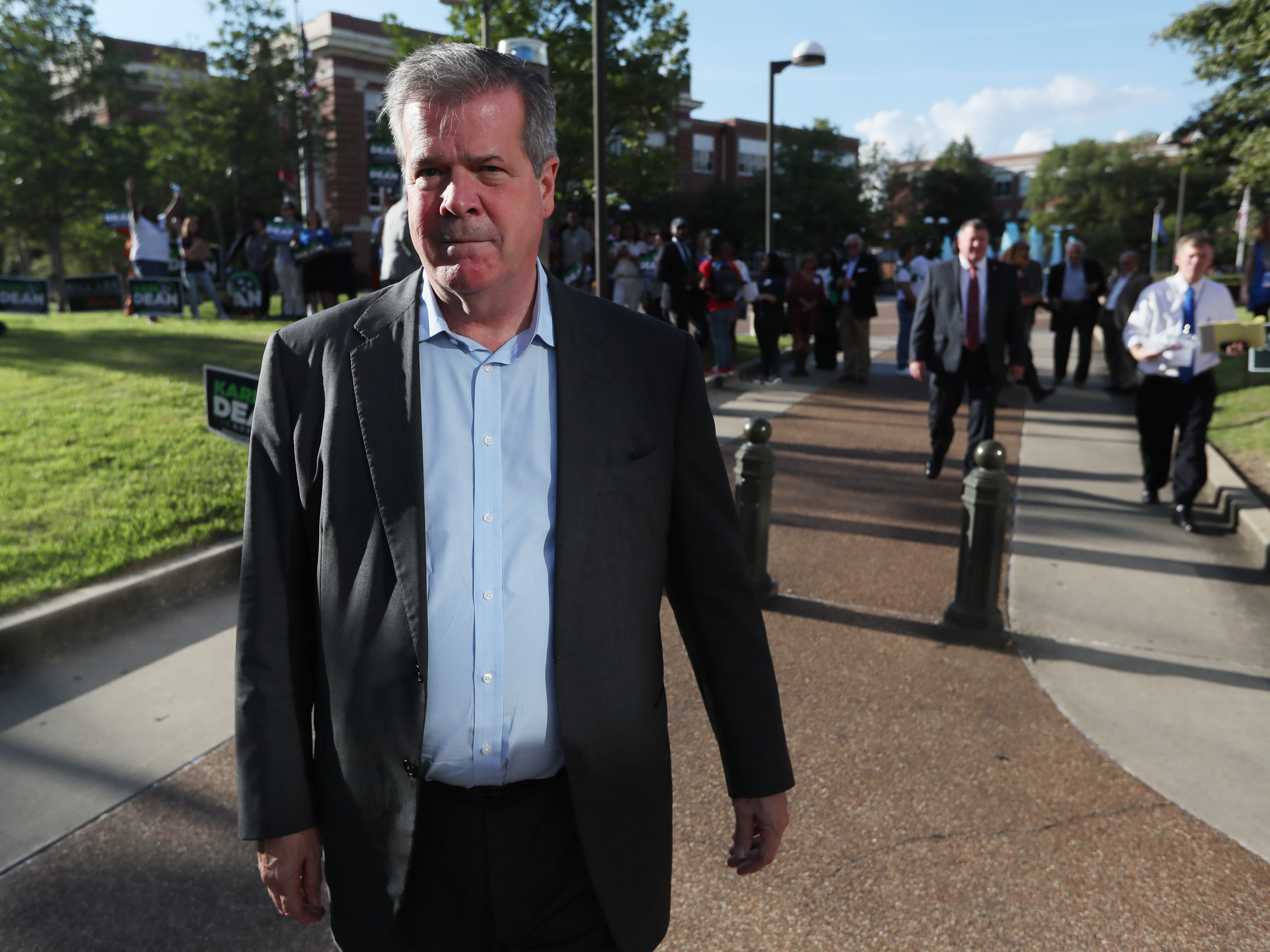 Democratic gubernatorial candidate Karl Dean arrives for the debate with Republican Bill Lee at the University of Memphis' Michael D. Rose Theater Lecture Hall in Memphis, Tenn., on Tuesday, Oct. 2, 2018.