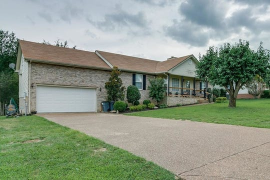 ROBERTSON COUNTY: 3013 Fisher Court, Greenbrier 37073