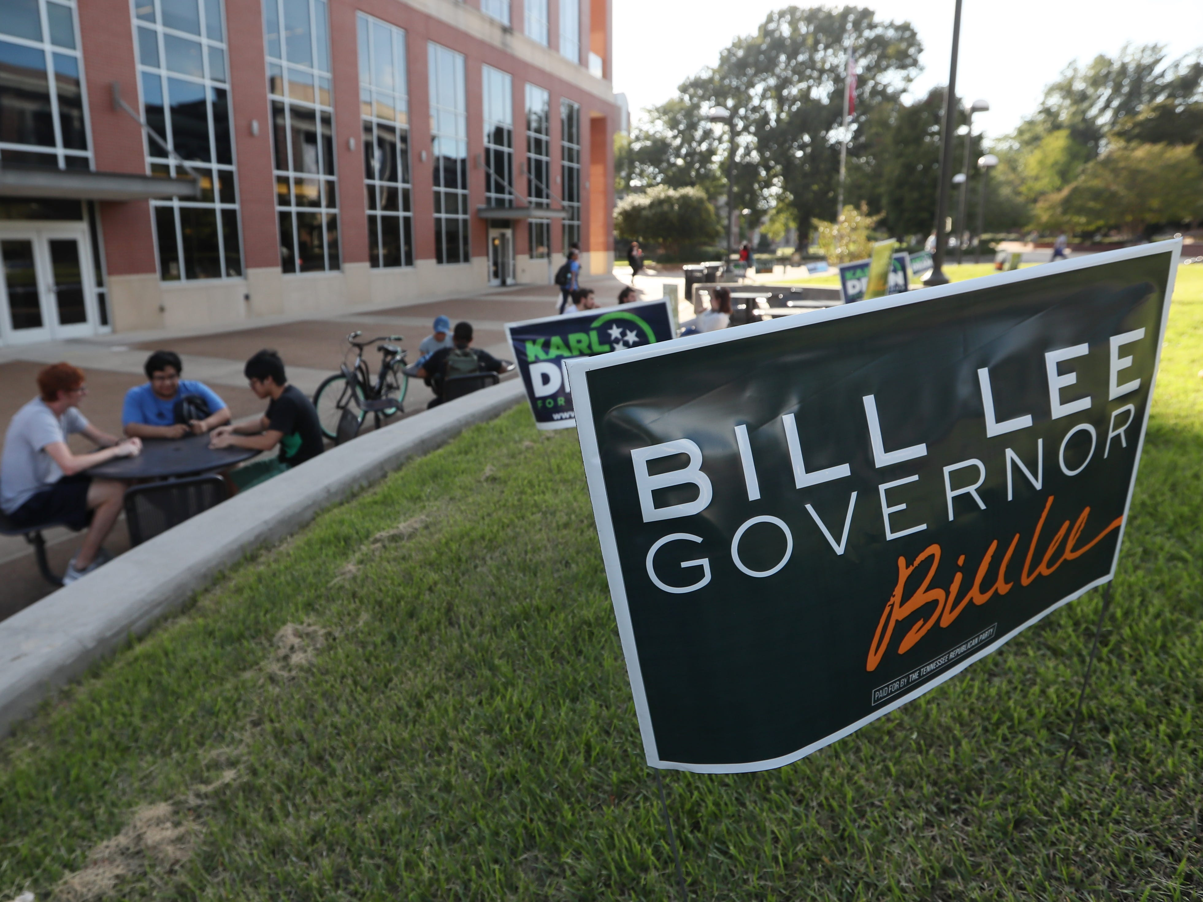 A sign for Republican gubernatorial candidate Bill Lee before the debate between Lee and Democrat Karl Dean at the University of Memphis' Michael D. Rose Theater Lecture Hall in Memphis, Tenn., on Tuesday, Oct. 2, 2018.