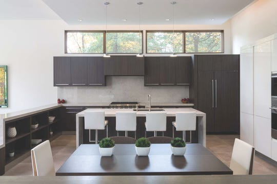 The clean lines and ample light of this modern kitchen appeal to contemporary tastes.