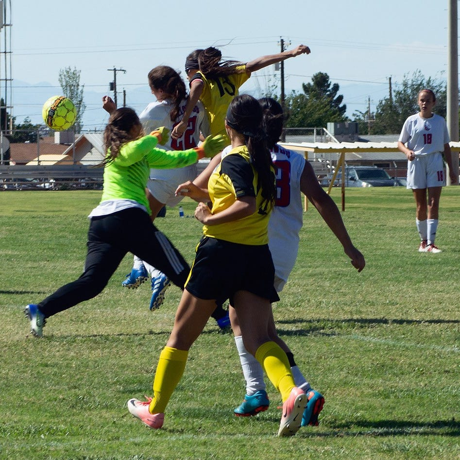 Alamogordo Lady Tigers beats Las Cruces 4-3