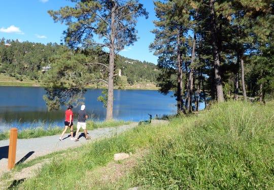 Walking paths line Alto Lake.