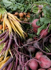 Vegetables are the top Arizona item exported to Canada, followed by aircraft and engines/turbines.