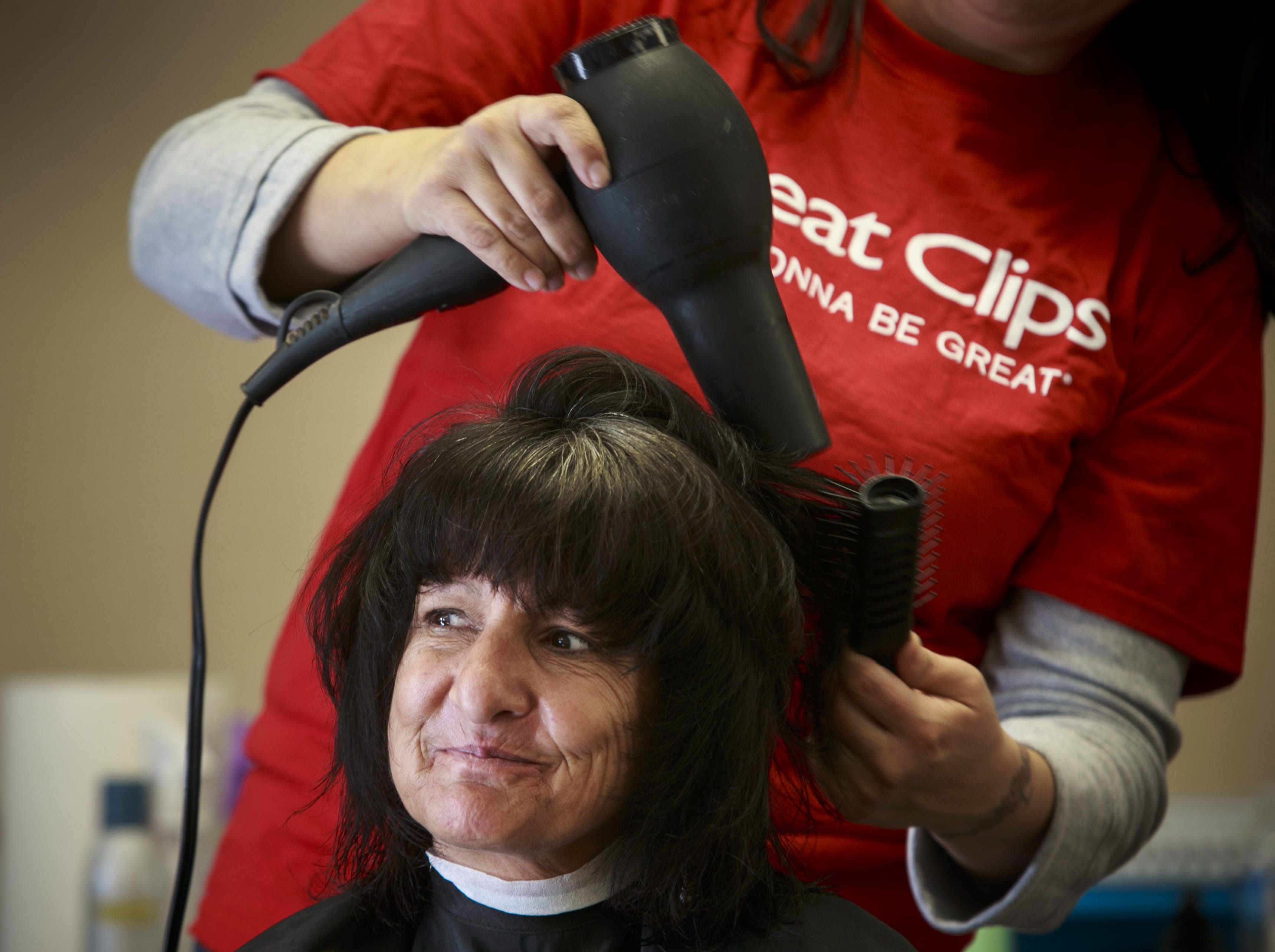 Great Clips, hiring 210. The company operates hair salons across Arizona. Locations with openings include Casa Grande, Buckeye, Mesa and Phoenix. More info: jobs.greatclips.com.