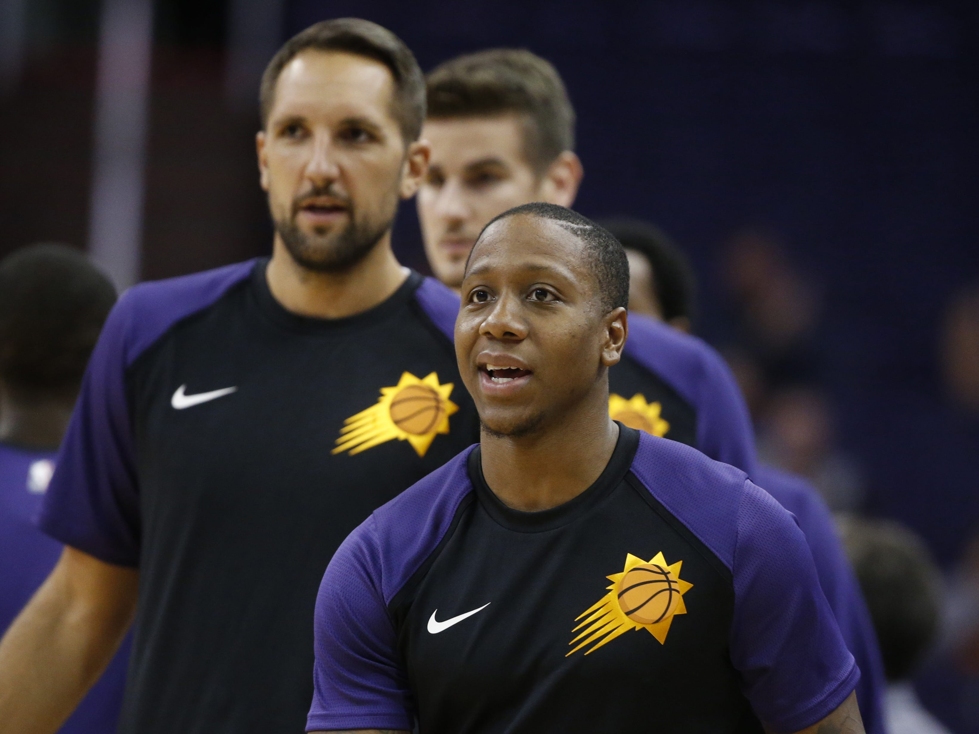 Suns Isaiah Canaan warms up before a game against the Kings at Talking Stick Resort Arena in Phoenix, Ariz. on October 1, 2018.
