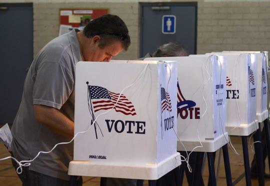 Votantes latinos en Arizona podrían decidir en las elecciones de noviembre próximo.