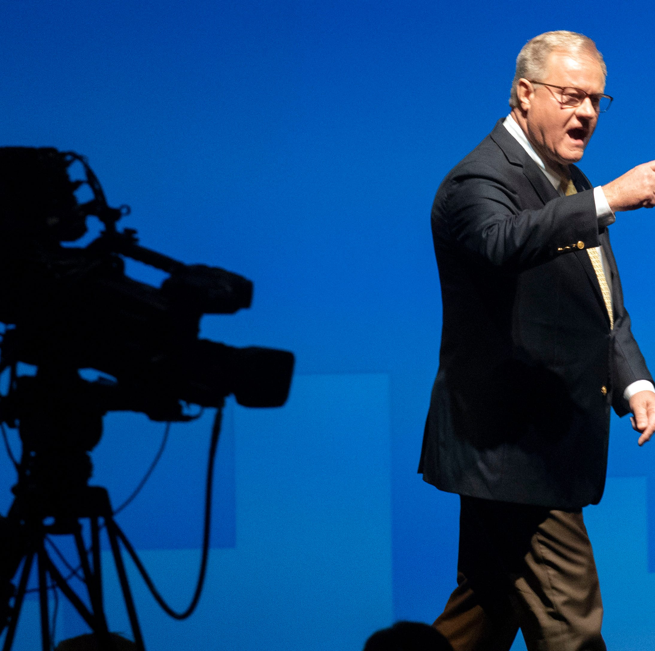 Scott Wagner, candidate who made 'golf spikes' comment, called violent by both parties