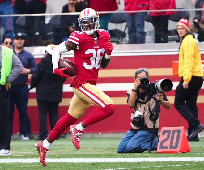 San Francisco 49ers cornerback Dontae Johnson (36) scores a touchdown on an interception against the Jacksonville Jaguars on Dec. 24, 2017. Johnson was signed by the Buffalo Bills on Tuesday.
