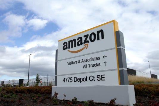 Amazon Raises Minumum Wage Mr03