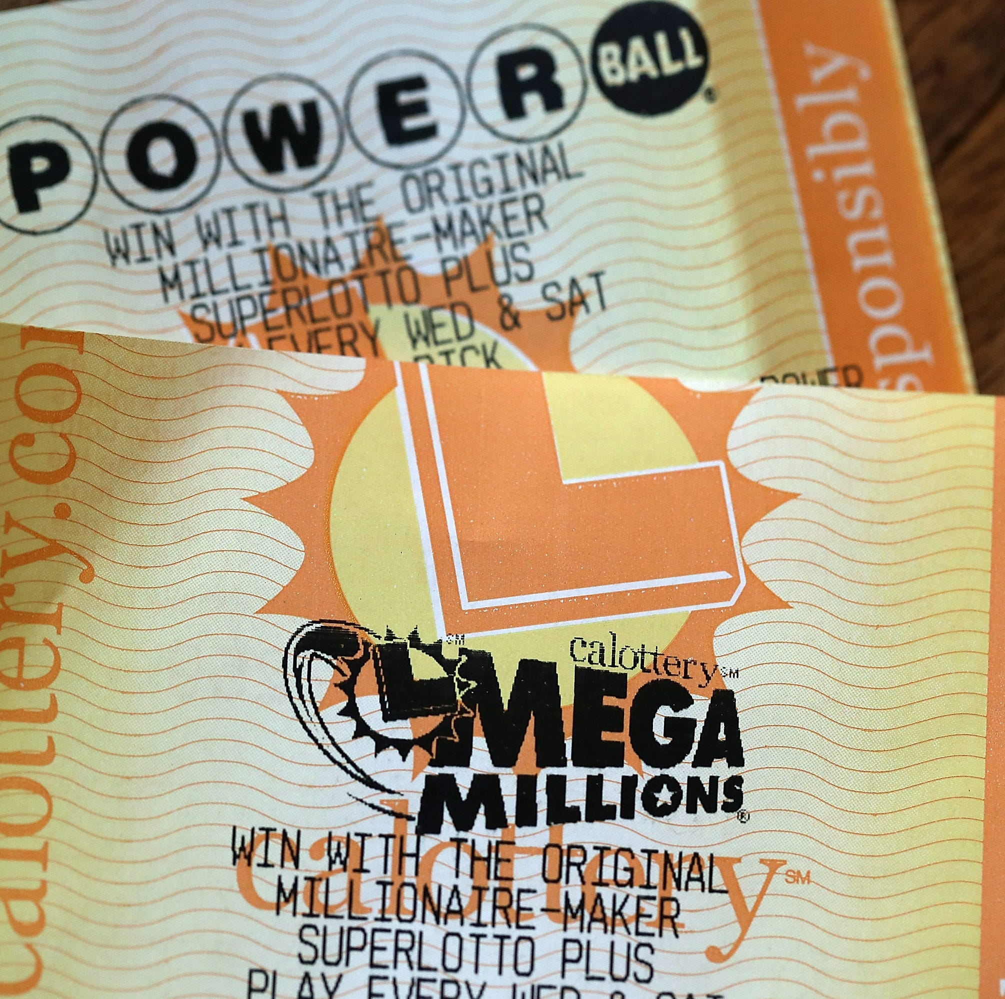 Combined Mega Millions, Powerball lottery jackpots climb to nearly $1B