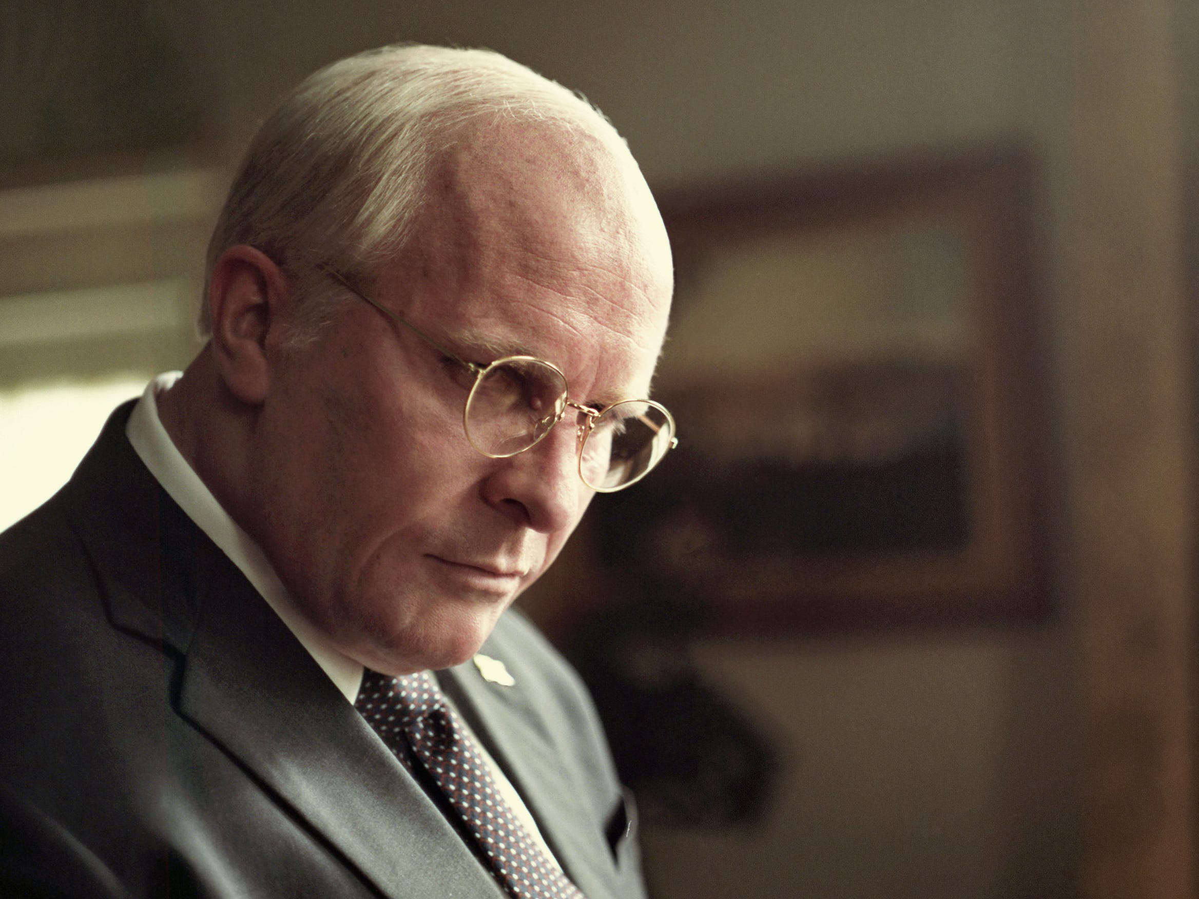 Christian Bale transforms to Dick Cheney in 'Vice'