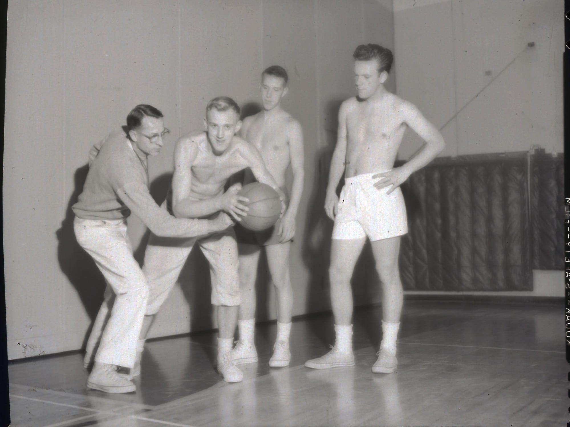 11/15/60Basketball