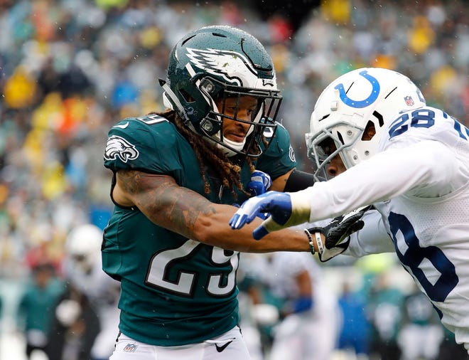 Eagles cornerback Avonte Maddox battles for position against the Colts on Sept. 23.
