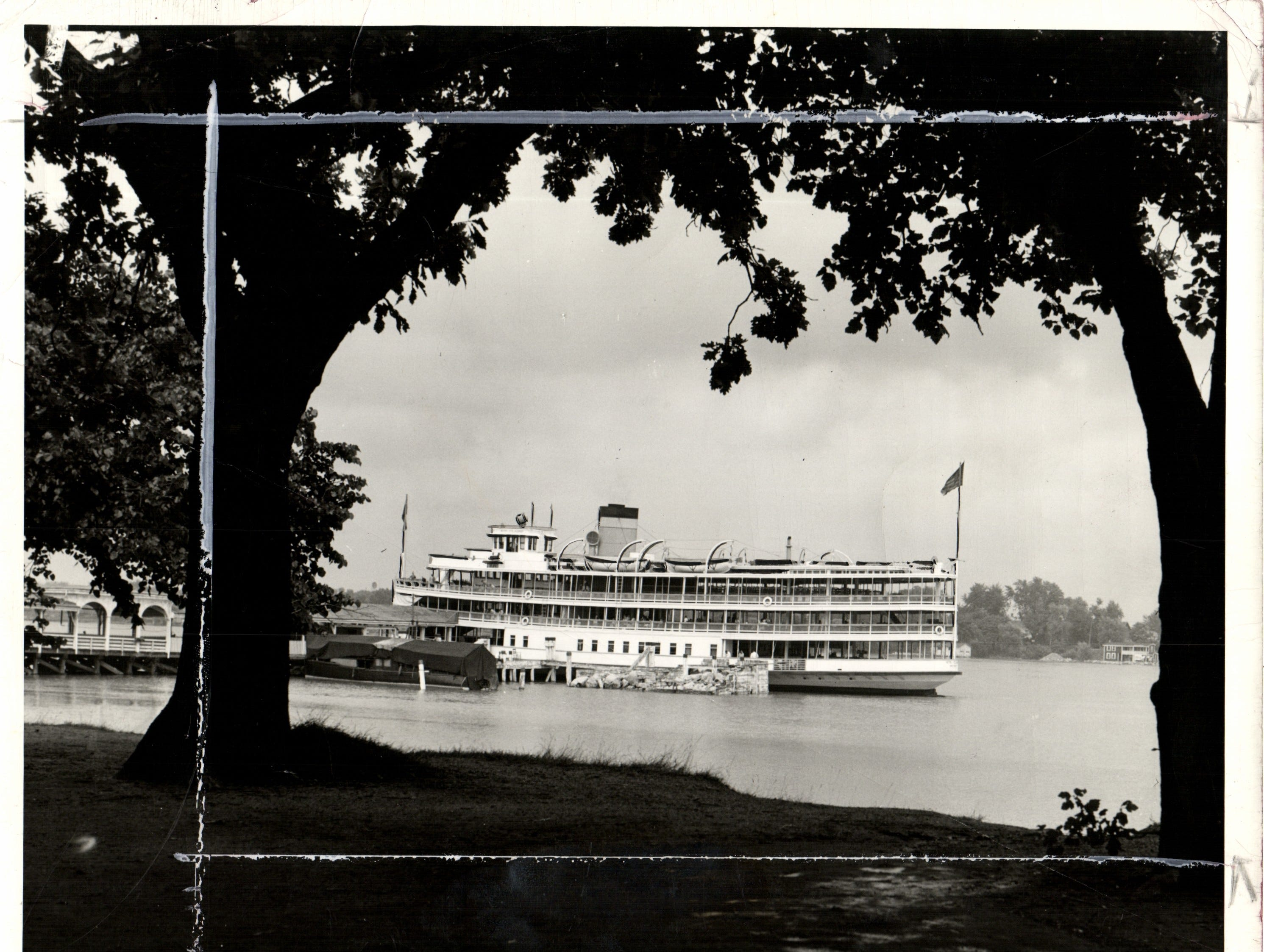 The Ste. Claire waits at the Boblo Island dock in 1942.