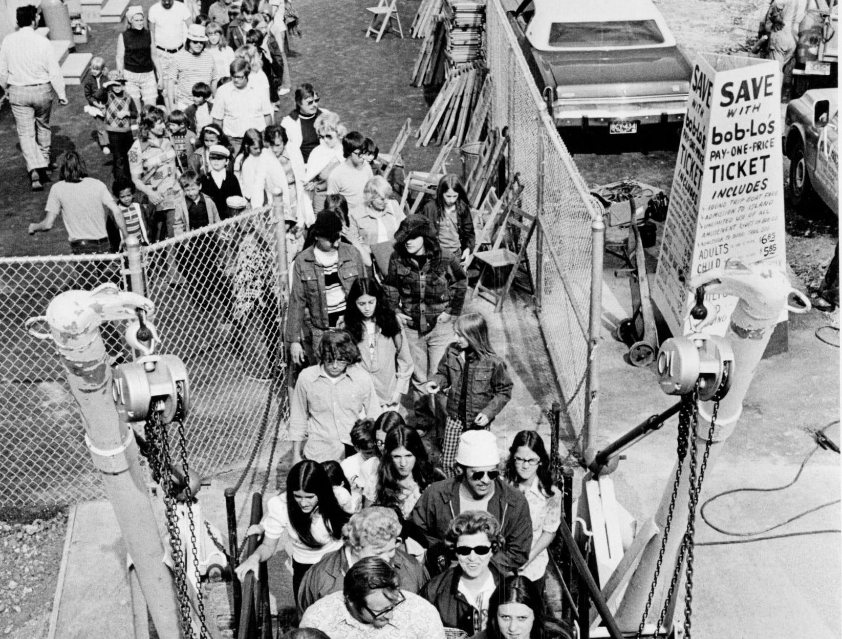 People board the Boblo boat.